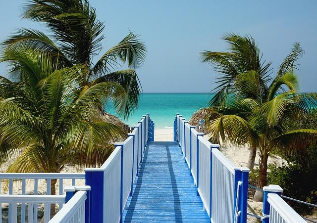 Очаровательные места курорта Playa Esmeralda