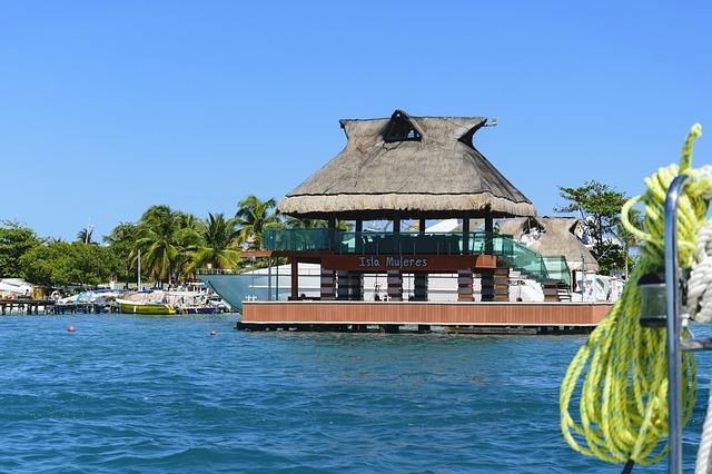 Isla Mujeres - мексиканский остров в Карибском море
