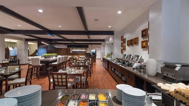 Ресторан в отеле Courtyard by Marriott Santo Domingo