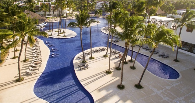 Территория отеля Occidental Punta Cana 5*