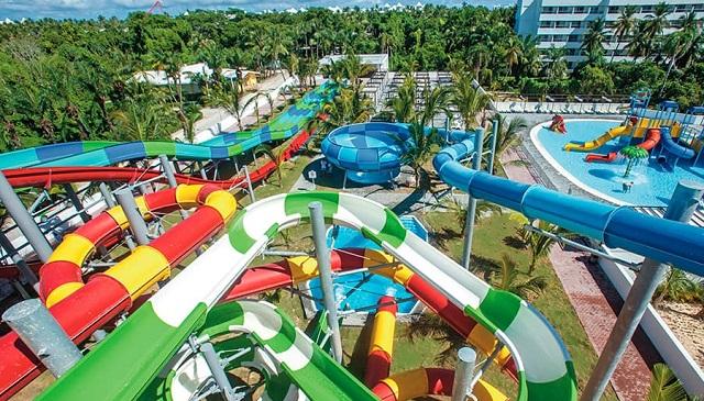 Аквапарк и водные горки отеля RIU Hotels & Resorts 5*