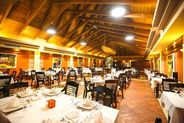 Ресторан в отеле Vista Sol Beach Resort & Casino 4* в Пунта Кане