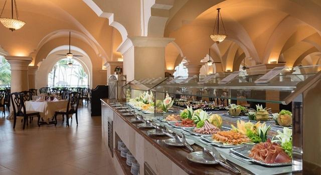 Ресторан в отеле Occidental Caribe 4* в Пунта Кане