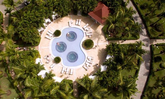 Территория отеля Luxury Bahia Principe Esmeralda 5*