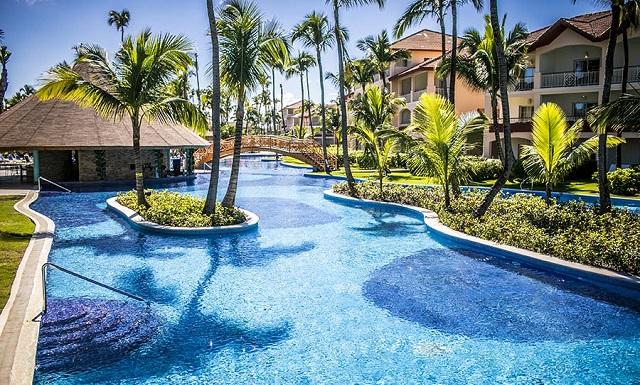 Территория отеля Majestic Colonial Punta Cana 5*