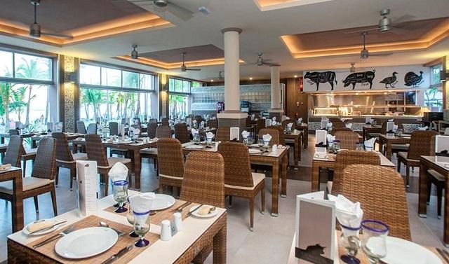 Ресторан в отеле Riu Bambu Club Hotel 5* в Пунта Кане