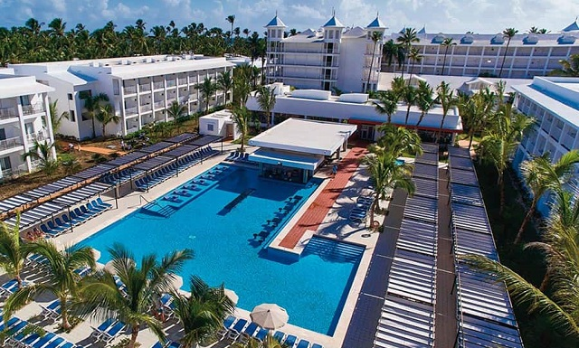 Бассейн отеля Riu Bambu Club Hotel 5*