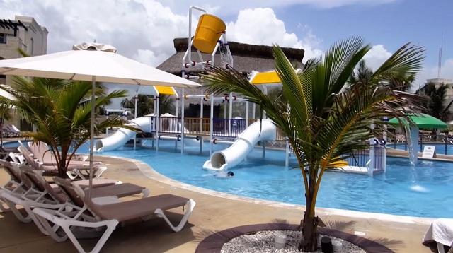 Водные горки в отеле Hard Rock Hotel & Casino Punta Cana 5*