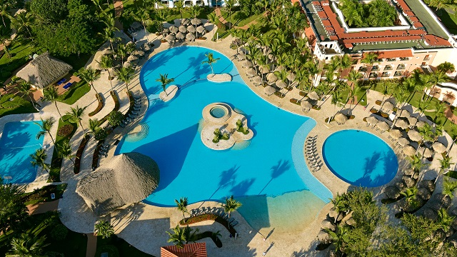 Бассейн отеля Iberostar Hacienda Dominicus 5*