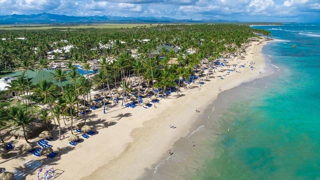Пляж отеля Sirenis Punta Cana Resort Casino & Aquagames 5*