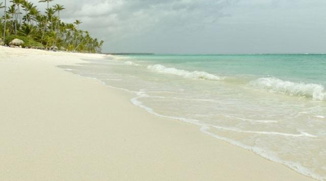 Пляж отеля The Royal Suites Turquesa by Palladium 5*