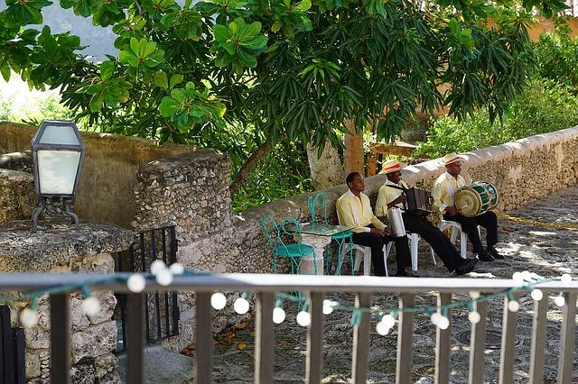 Altos de Chavon Village - музыканты