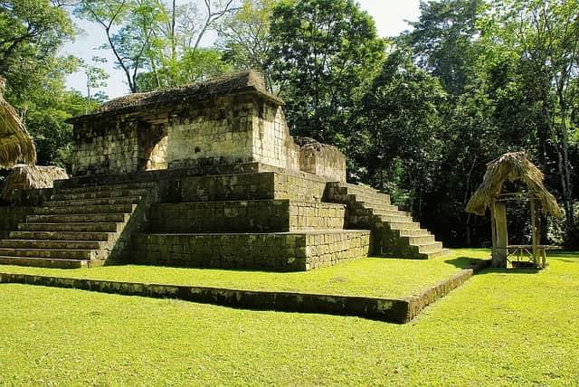 Археологический парк Сейбаль в Гватемале