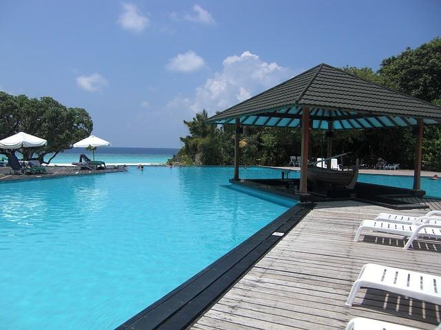 Цены на туры на Мальдивы и в Доминикану